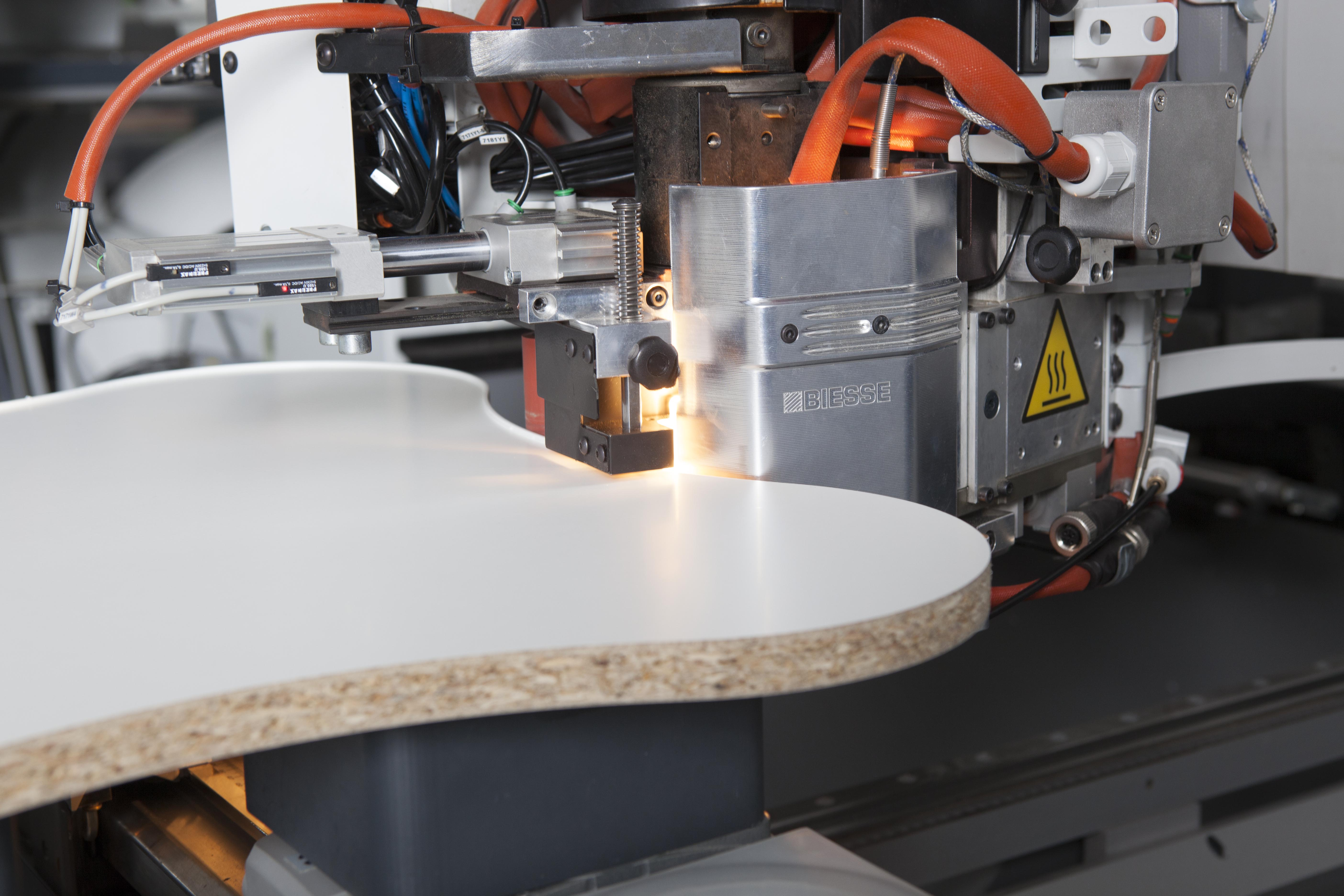 AWFS Debut: New RayForce System Technology eliminates glue lines, maximizes quality